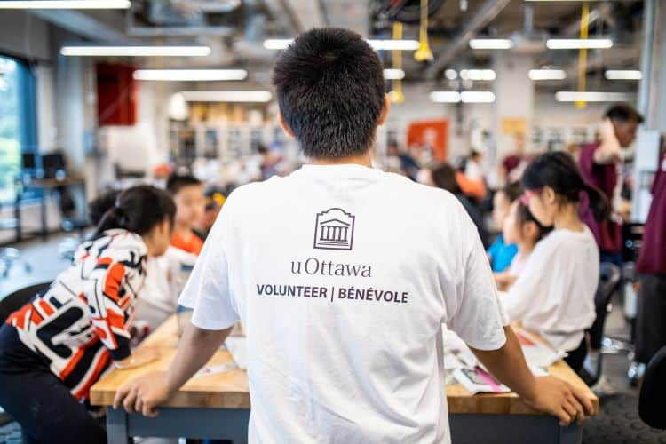 A volunteer student at the University of Ottawa.