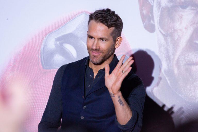 Ryan Reynolds waving