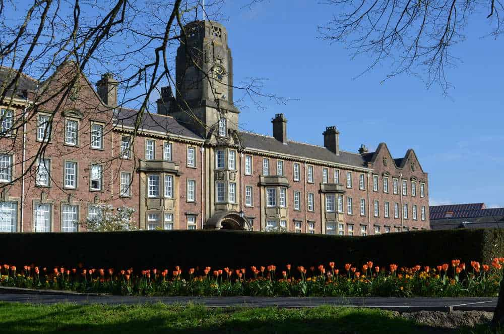 A photo of the University of South Wales.